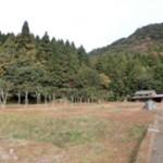 周囲を森と山で囲まれた、のどかな集落です。